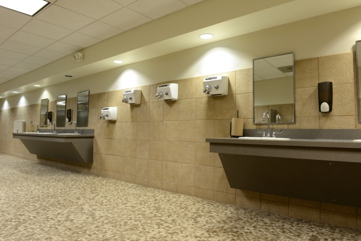 hand dryers in washrooms spread bacteria and diseases