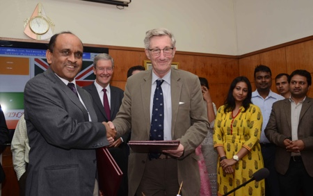 picture of Left to right: Drugs Controller General of India, Dr Gyanendra Nath Singh and MHRA Chairman, Professor Sir Michael Rawlins sign the MoU in New Delhi